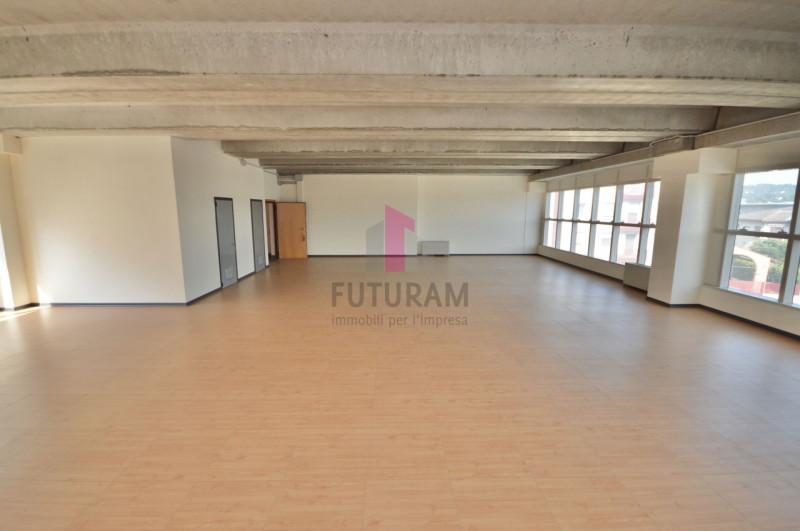 Ufficio in affitto a Vicenza - https://images.gestionaleimmobiliare.it/foto/annunci/200114/2128864/800x800/010__9b.jpg