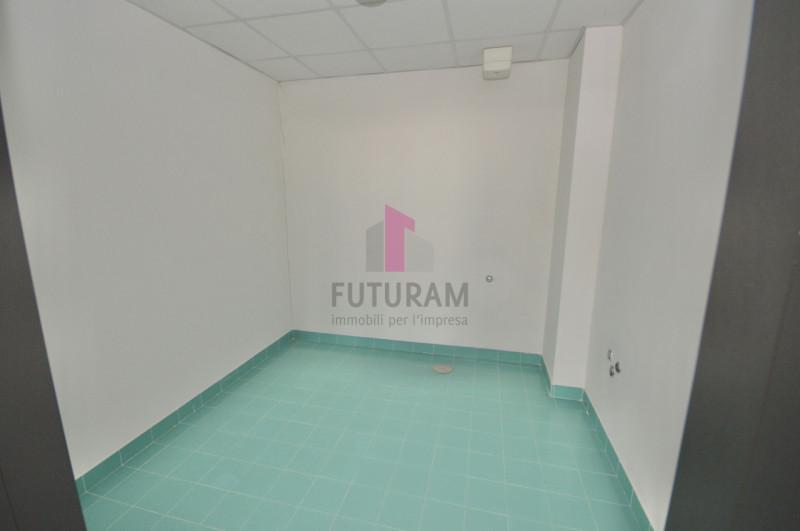 Ufficio in affitto a Vicenza - https://images.gestionaleimmobiliare.it/foto/annunci/200114/2128864/800x800/018__9l.jpg