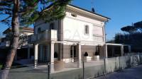 Forte dei Marmi villa singola nuova con giardino zona ecslusiva