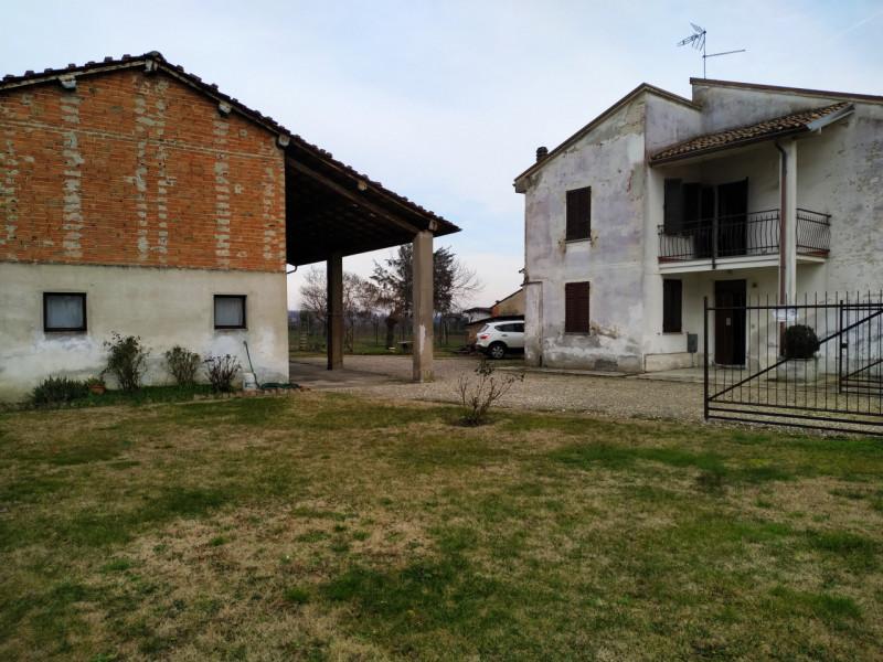 Villa in vendita a Bressana Bottarone, 4 locali, zona Località: Bressana Bottarone, prezzo € 180.000   PortaleAgenzieImmobiliari.it