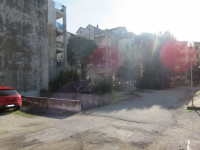 Tre appartamenti e tre garage al grezzo avanzato (part 696)