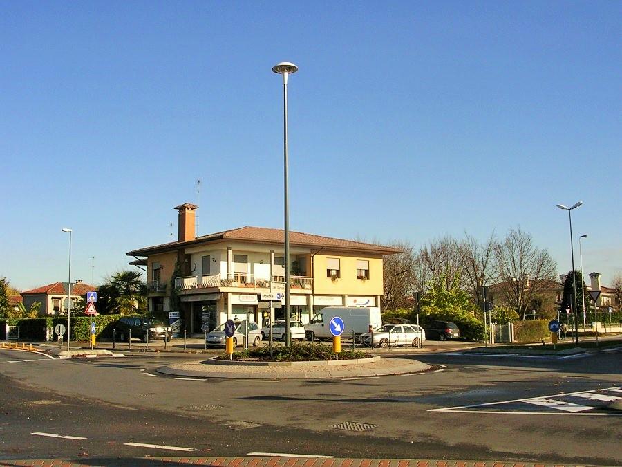 Bureau à location a Castelfranco Veneto