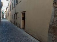 Ampio locale commerciale nel centro storico di Urbania