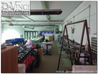 Fossò: Capannone di 420 mq in ottimo stato con ufficio , spogliatoi e magazzino.