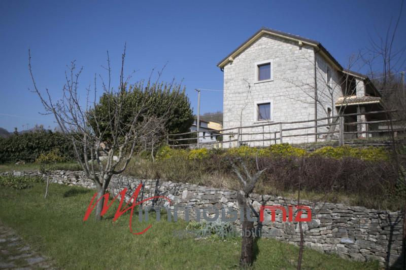 Rustico / Casale in vendita a Pontelandolfo, 8 locali, prezzo € 299.000   CambioCasa.it