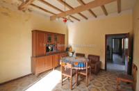 Abitazione con fondo commerciale a Torrita di Siena (SI)