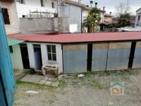Casa rustica con giardino