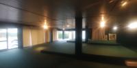 Show room prospicente strada di passaggio, dotato di riscaldamento autonomo cosi suddiviso: - piano