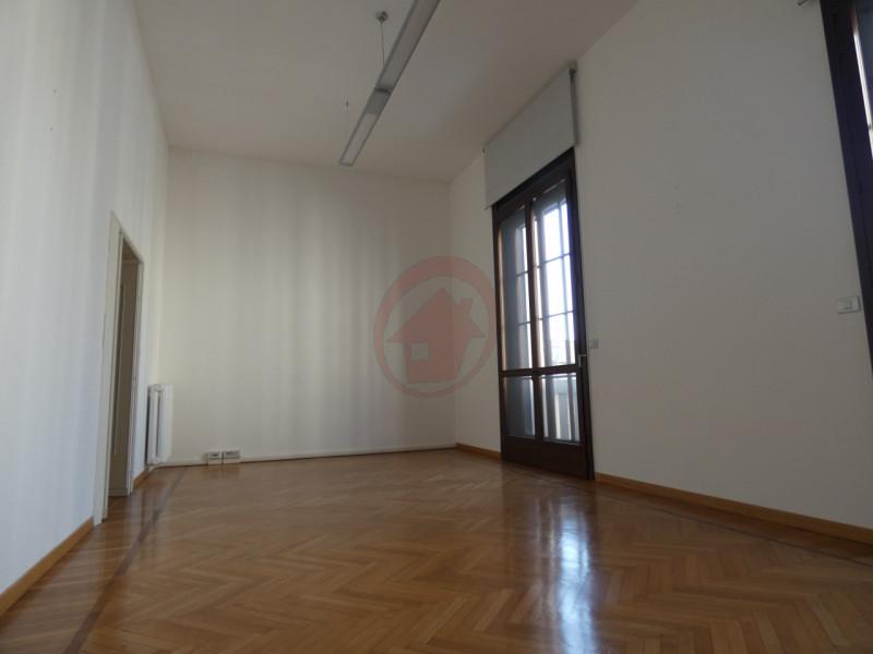 UFFICI IN CENTRO STORICO A PADOVA - https://images.gestionaleimmobiliare.it/foto/annunci/200522/2248418/800x800/003__p1050897-min_wmk_0.jpg