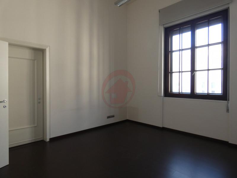 UFFICI IN CENTRO STORICO A PADOVA - https://images.gestionaleimmobiliare.it/foto/annunci/200522/2248418/800x800/010__p1050909-min_wmk_0.jpg