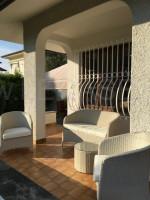 Villetta bifamiliare in affitto a Forte dei Marmi con giardino