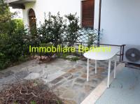 Moderno Bilocale appena ristrutturato con bel giardino in zona La Brezza