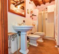 Casa singola in vendita a Castel del Piano