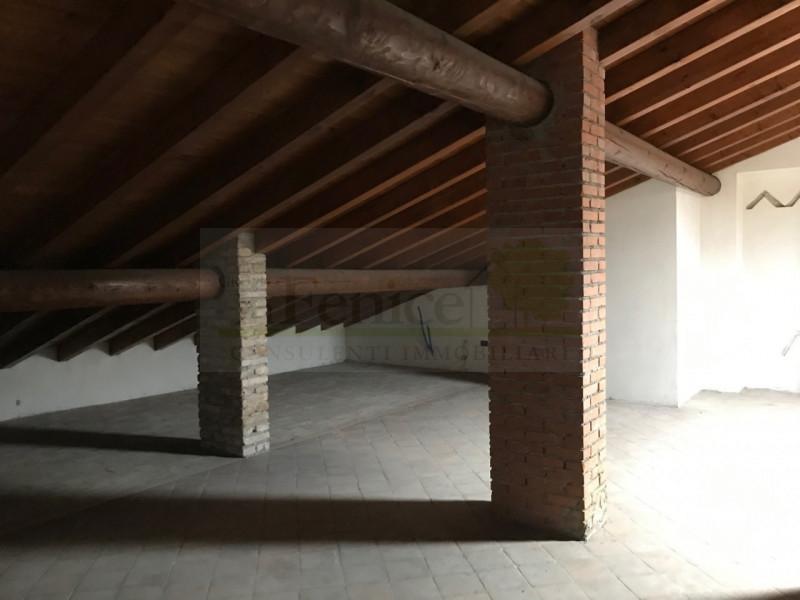 CASTEL GOFFREDO RUSTICO DI PREGIO - https://images.gestionaleimmobiliare.it/foto/annunci/200616/2256333/800x800/010__img_9053_wmk_0.jpg