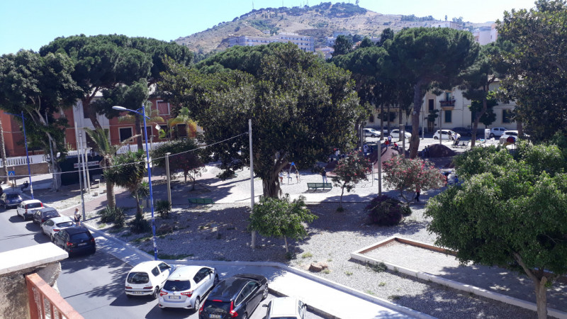 Appartamento in vendita a Reggio Calabria, 4 locali, zona Località: Santa Caterina, prezzo € 65.000 | CambioCasa.it