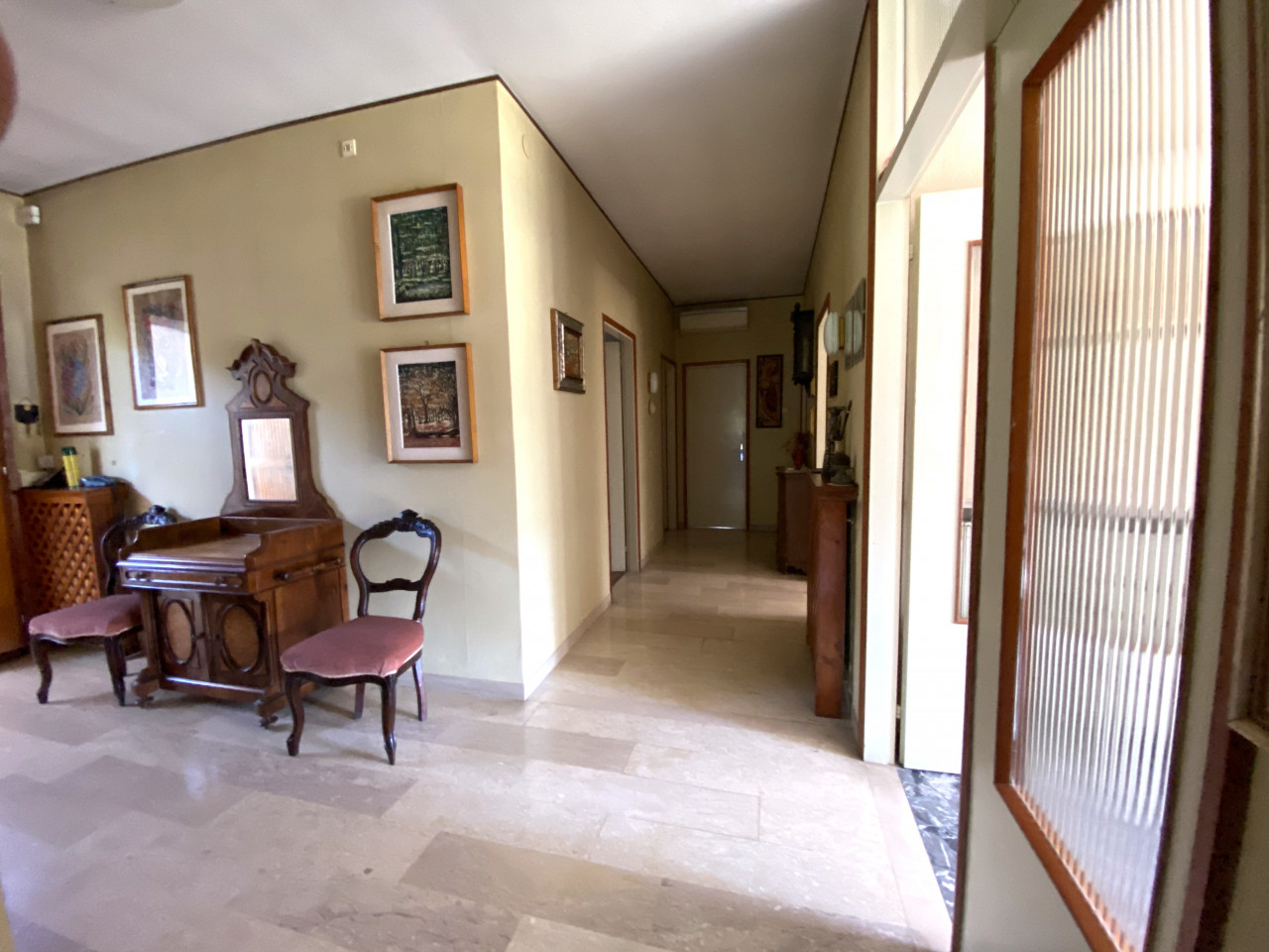 Casa singola con capannone in vendita in centro a Budoia - Rif. V.D.1 https://images.gestionaleimmobiliare.it/foto/annunci/200702/2265893/1280x1280/002__img_2980.jpg