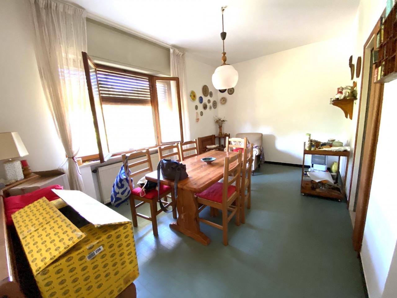 Casa singola con capannone in vendita in centro a Budoia - Rif. V.D.1 https://images.gestionaleimmobiliare.it/foto/annunci/200702/2265893/1280x1280/004__img_2976.jpg