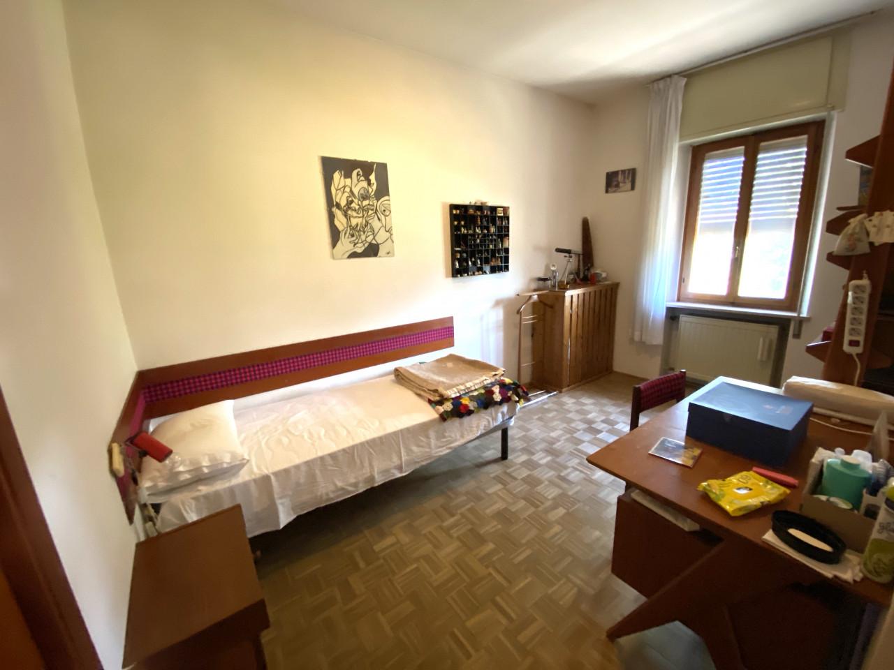 Casa singola con capannone in vendita in centro a Budoia - Rif. V.D.1 https://images.gestionaleimmobiliare.it/foto/annunci/200702/2265893/1280x1280/010__img_2984.jpg
