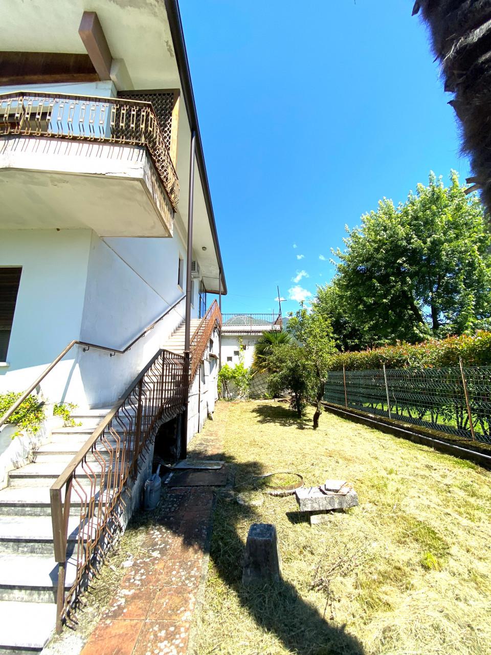 Casa singola con capannone in vendita in centro a Budoia - Rif. V.D.1 https://images.gestionaleimmobiliare.it/foto/annunci/200702/2265893/1280x1280/020__img_2969.jpg