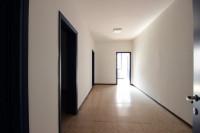Motta Visconti - Ampio capannone con uffici e servizi