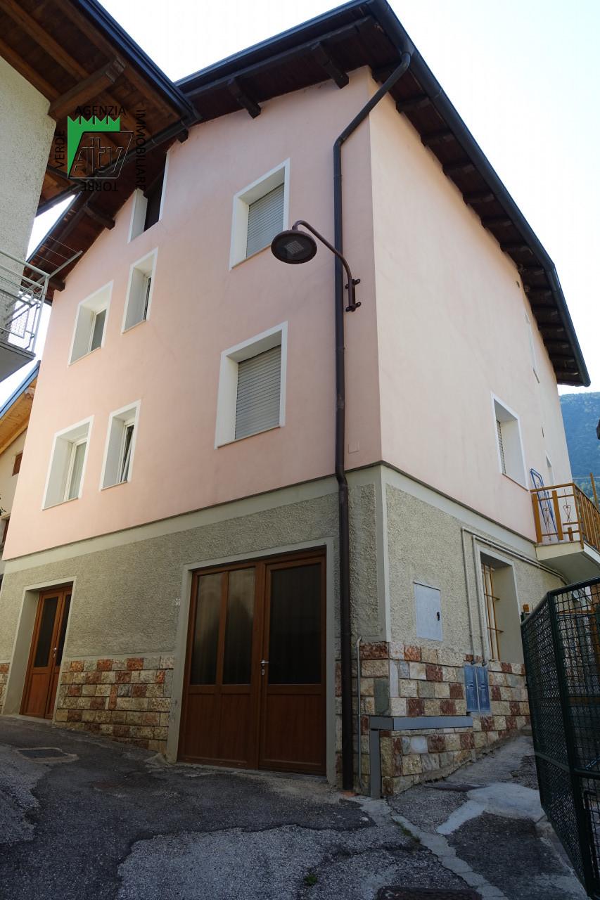 Spormaggiore, edificio singolo con 2 appartamenti e garage