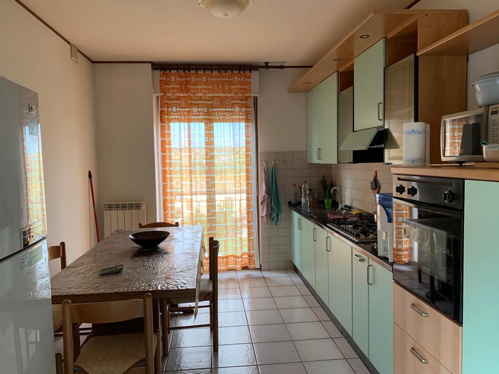 SENIGALLIA, Zona Cannella, appartamento di 100 mq.