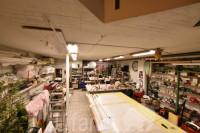 Bolzano, via Maso della Pieve: Negozio con magazzino