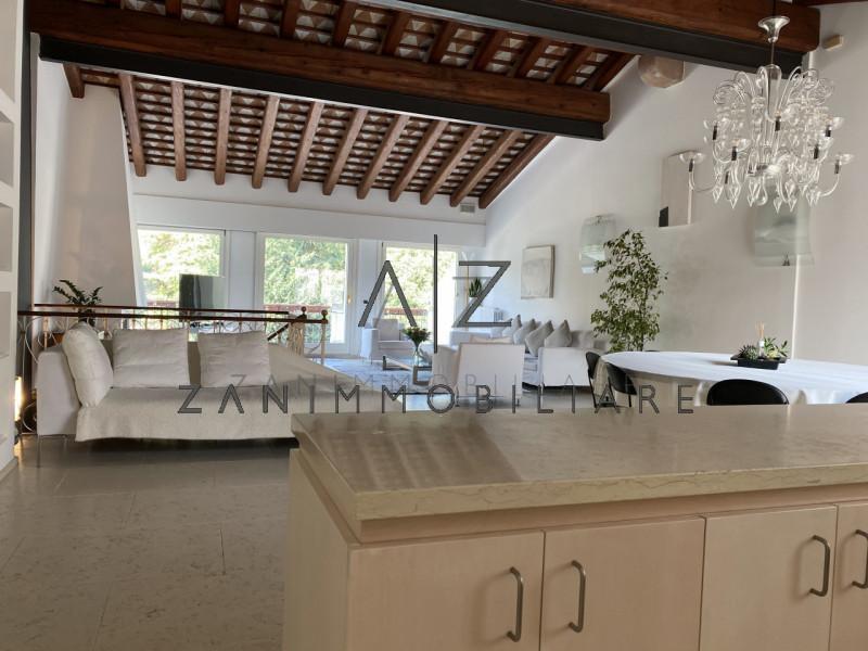 Attico / Mansarda in vendita a Castelfranco Veneto, 2 locali, zona Località: Castelfranco Veneto - Centro, prezzo € 470.000 | PortaleAgenzieImmobiliari.it