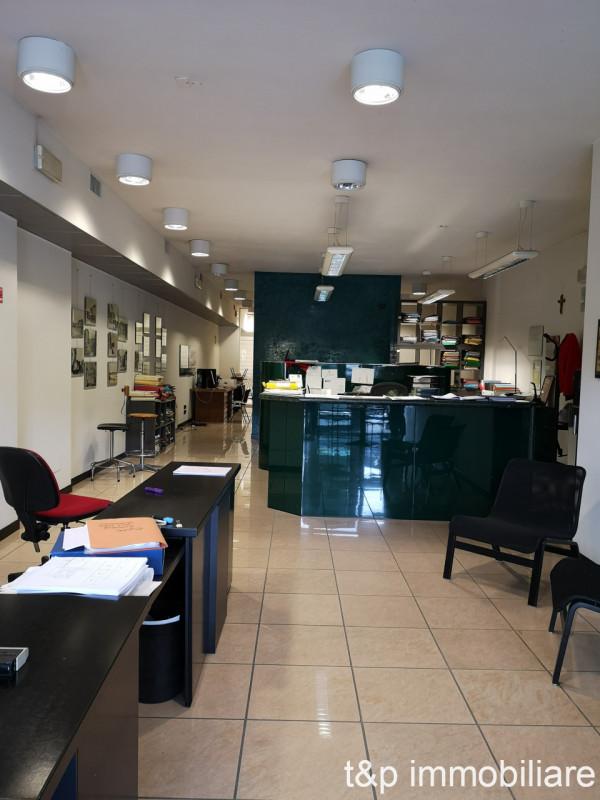 Ufficio / Studio in vendita a Negrar, 9999 locali, zona Località: Negrar - Centro, prezzo € 169.000   CambioCasa.it