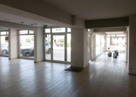 Negozio / Locale in vendita a Cassola, 4 locali, zona Località: Cassola, prezzo € 455.000 | CambioCasa.it