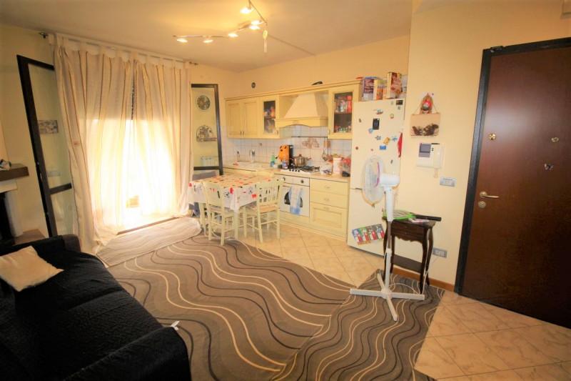 Appartamento in vendita a Montevarchi, 3 locali, zona Zona: Piscina, prezzo € 150.000 | CambioCasa.it