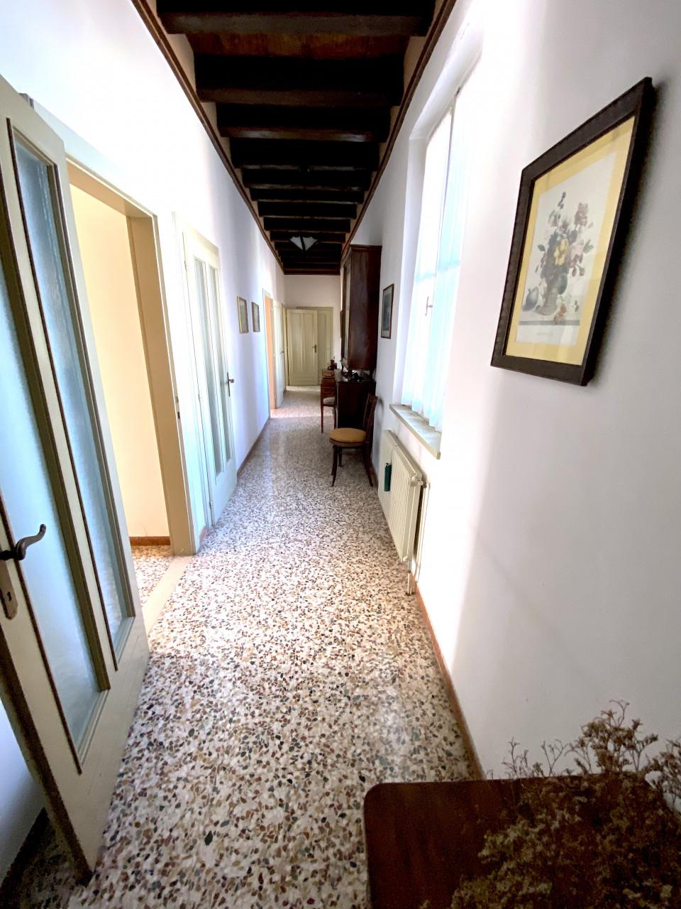 Dimora Storica in vendita in Centro a Valvasone - Rif.P1 https://images.gestionaleimmobiliare.it/foto/annunci/200820/2282895/1280x1280/011__img_3564.jpg