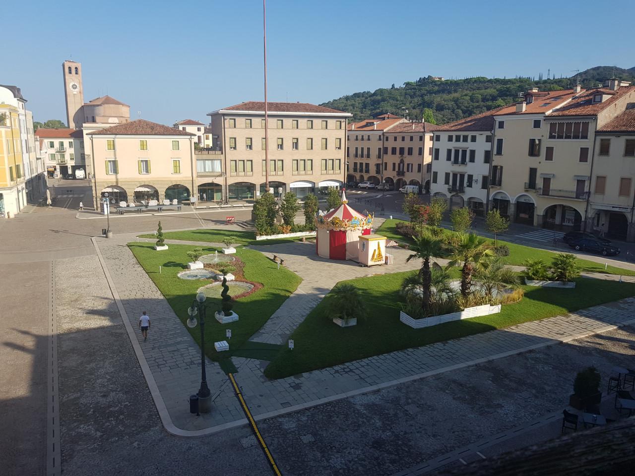 Attico con vista Piazza Maggiore