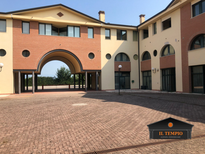 Ufficio / Studio in affitto a Bolzano Vicentino, 9999 locali, prezzo € 380 | CambioCasa.it