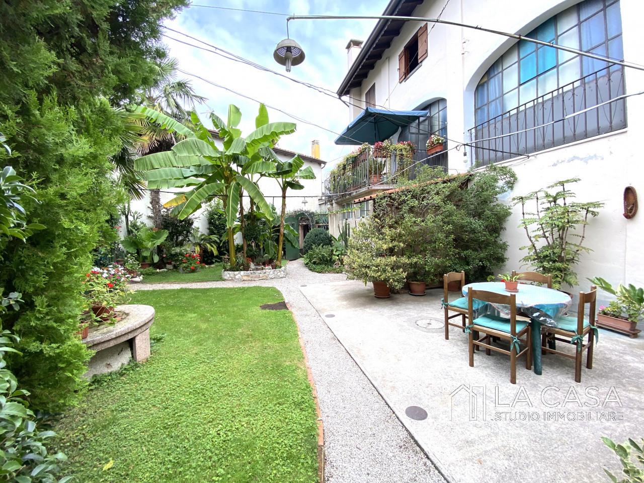 Palazzo plurifamiliare in vendita a Valvasone Arzene - Rif. P3 https://images.gestionaleimmobiliare.it/foto/annunci/200827/2284141/1280x1280/001__img_3734_wmk_0.jpg