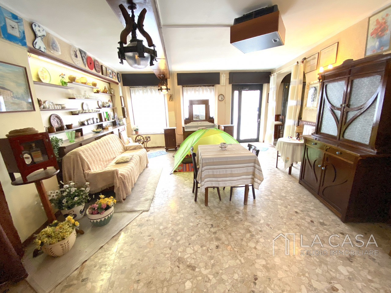 Palazzo plurifamiliare in vendita a Valvasone Arzene - Rif. P3 https://images.gestionaleimmobiliare.it/foto/annunci/200827/2284141/1280x1280/003__img_3704_wmk_0.jpg