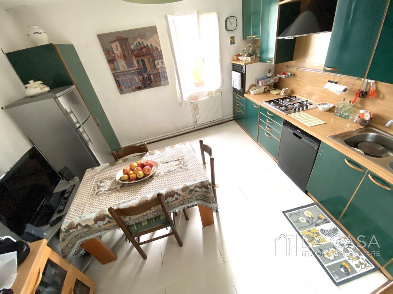 Palazzo plurifamiliare in vendita a Valvasone Arzene - Rif. P3 https://images.gestionaleimmobiliare.it/foto/annunci/200827/2284141/1280x1280/009__img_3718_wmk_0.jpg