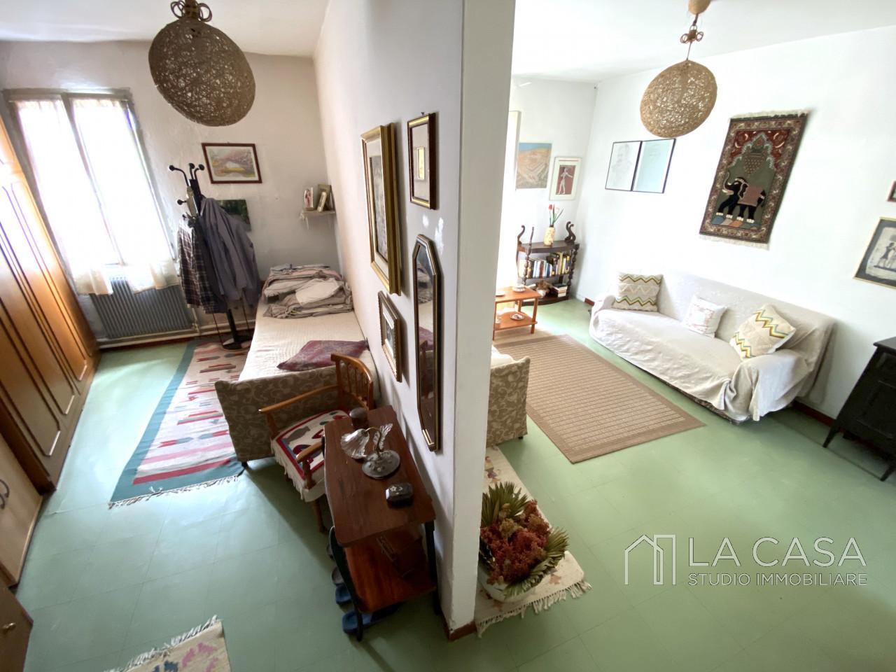 Palazzo plurifamiliare in vendita a Valvasone Arzene - Rif. P3 https://images.gestionaleimmobiliare.it/foto/annunci/200827/2284141/1280x1280/013__img_3717_wmk_0.jpg