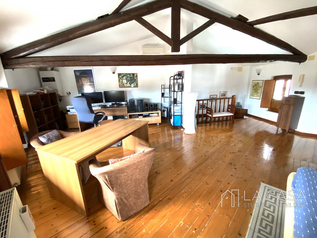 Palazzo plurifamiliare in vendita a Valvasone Arzene - Rif. P3 https://images.gestionaleimmobiliare.it/foto/annunci/200827/2284141/1280x1280/017__img_3729_wmk_0.jpg