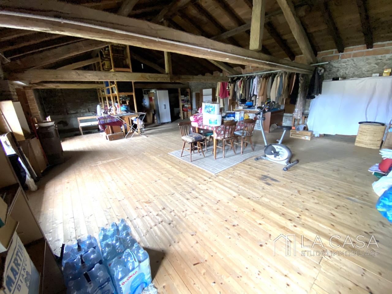 Palazzo plurifamiliare in vendita a Valvasone Arzene - Rif. P3 https://images.gestionaleimmobiliare.it/foto/annunci/200827/2284141/1280x1280/021__img_3731_wmk_0.jpg