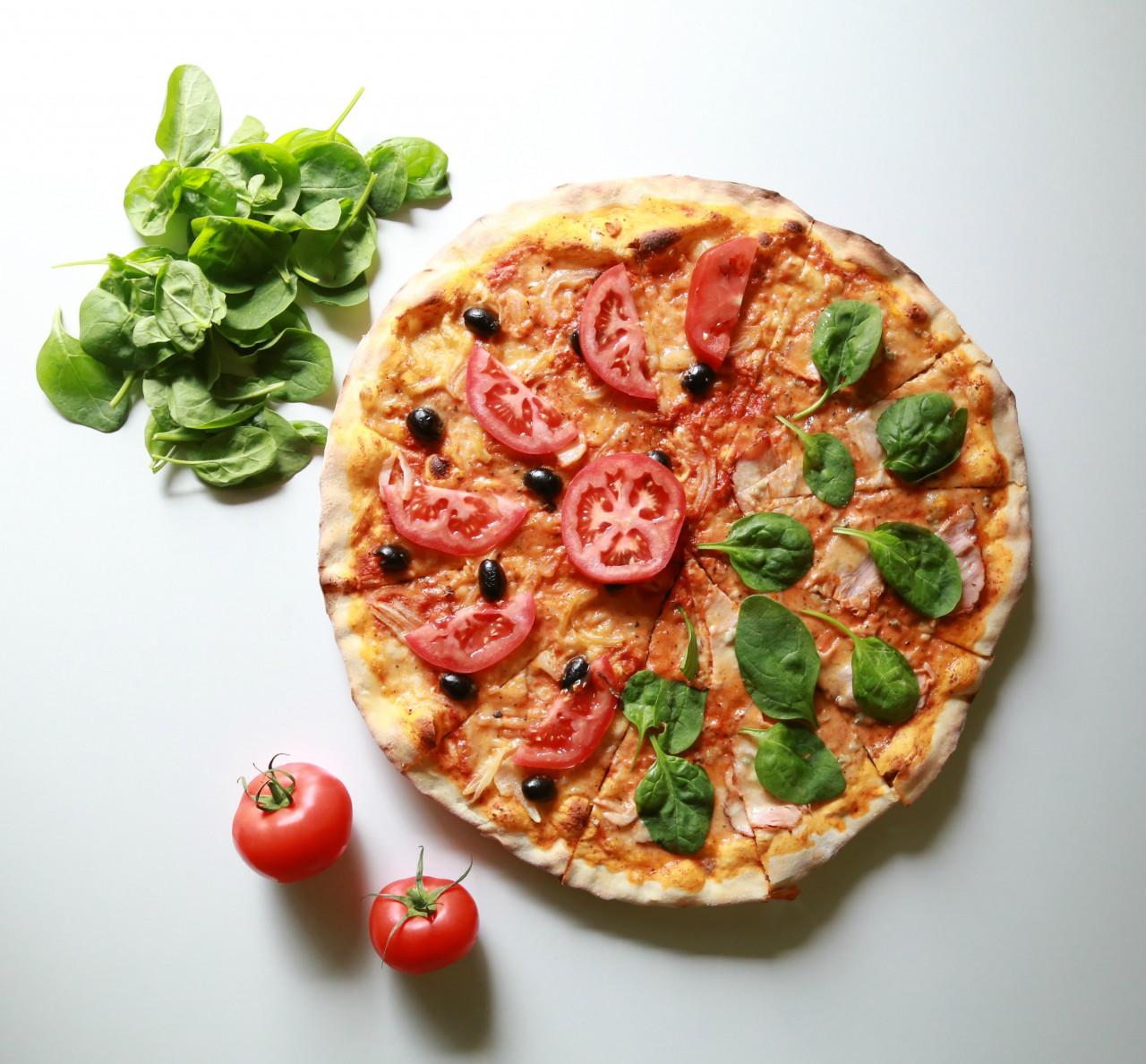 Pizzeria arredata in posizione strategica
