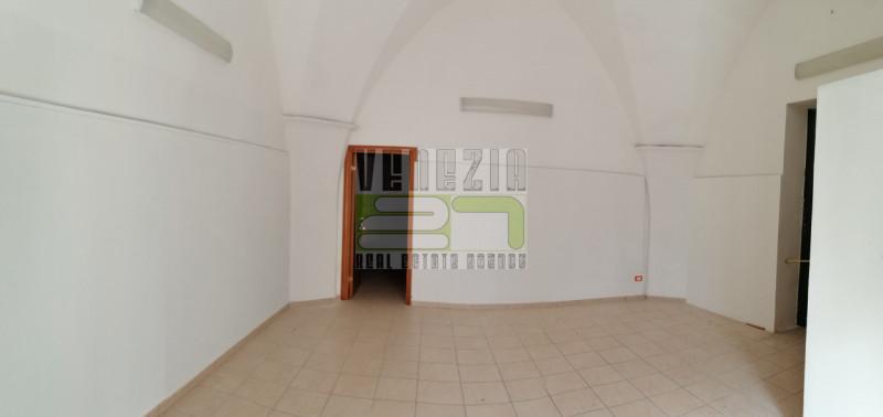 Negozio / Locale in vendita a Avola, 2 locali, prezzo € 72.000   CambioCasa.it