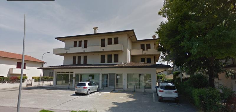 Immobile Commerciale in affitto a San Zenone degli Ezzelini, 9999 locali, zona Località: Cà Rainati, prezzo € 1.100 | CambioCasa.it