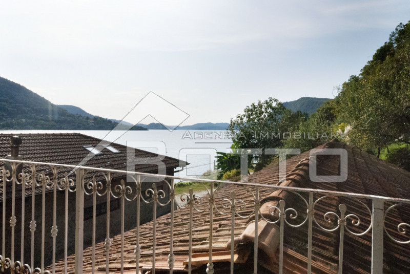 Detached house with garden, workshop and dock for sale in Nonio