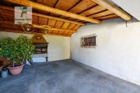 RESCHIGLIANO: casa singola su unico piano - giardino privato di mq 1.000