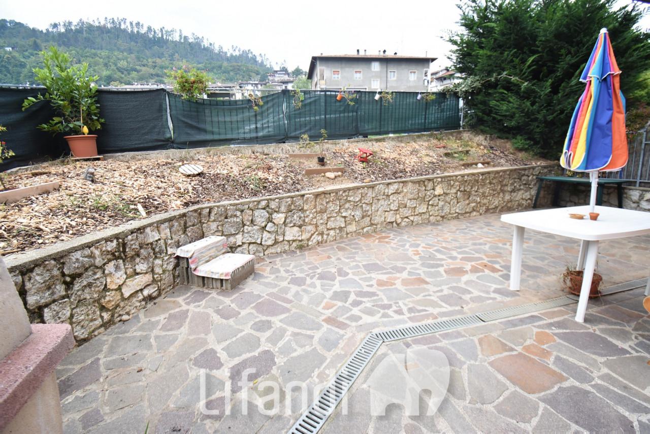 Brentonico: Bilocale con giardino