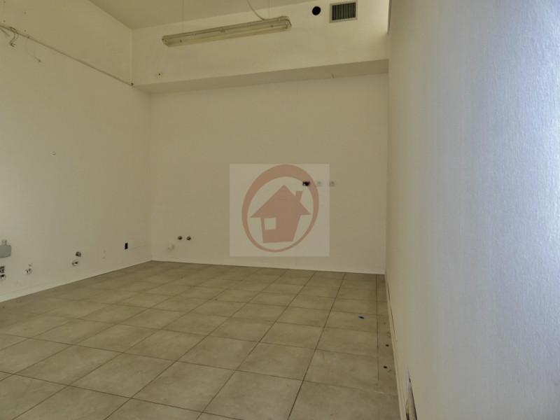 NEGOZIO GIA ALLESTITO PER BAR A VIGODARZERE - https://images.gestionaleimmobiliare.it/foto/annunci/201007/2316965/800x800/004__p1060819_wmk_0.jpg