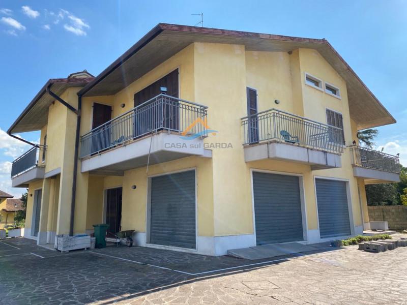Immobile Commerciale in affitto a Ponti sul Mincio, 2 locali, zona Località: Ponti Sul Mincio, prezzo € 1.500   CambioCasa.it