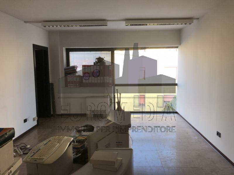 Ufficio / Studio in affitto a Vicenza, 9999 locali, zona Località: Ferrovieri, prezzo € 750 | CambioCasa.it