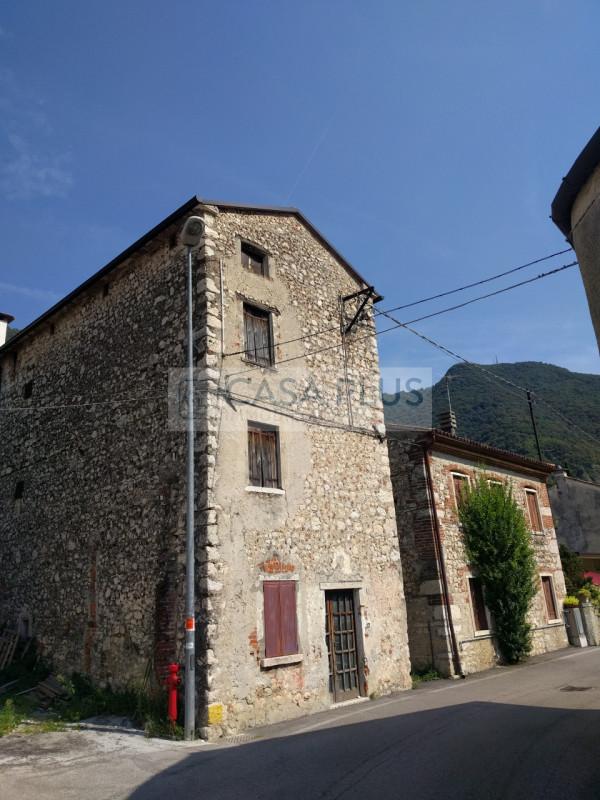 Villa in vendita a Solagna, 4 locali, zona Località: Solagna, prezzo € 45.000 | CambioCasa.it